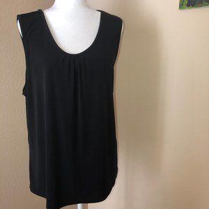 ☮️ 2/$15 ☮️ Avenue sleeveless black scoop neck top